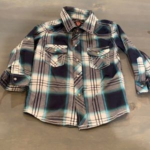 12 mo. Sovereign code button up in new condition!